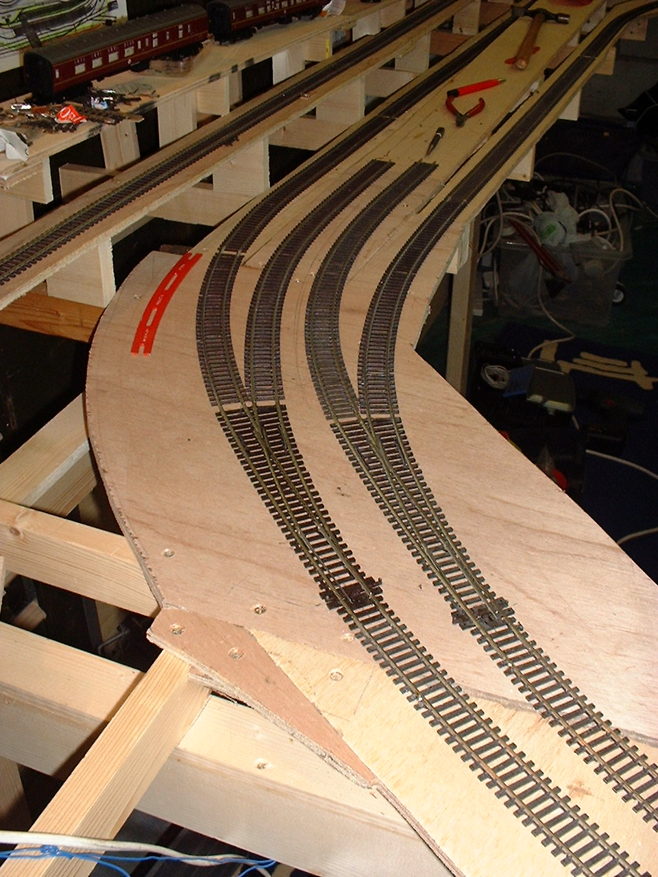 L timbers with risers to support the track baseboard